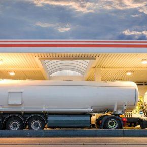 Karty paliwowe - czym są i dlaczego warto z nich korzystać